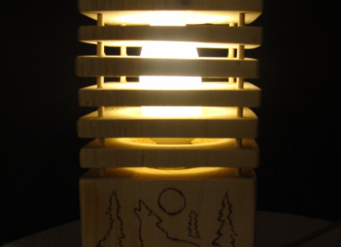 wooden table lamp ▸ made of spruce discs