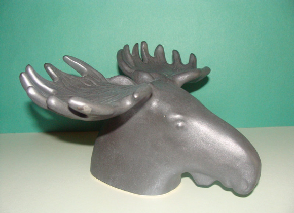 remarkable moose head ▸ made of ceramic
