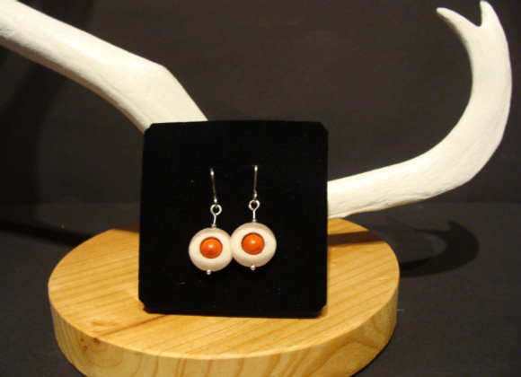 Earrings ▸ made of reindeer horn with foam coral