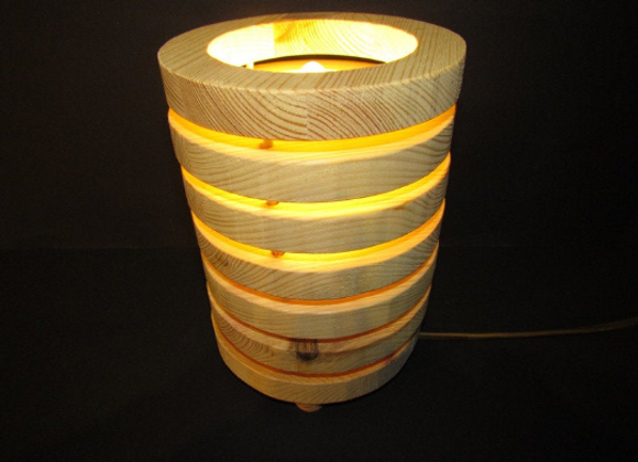 wooden table lamp - disc form ▸ made with pine wood