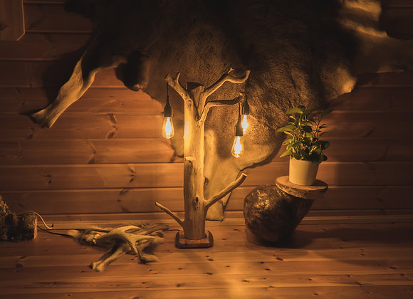 wooden juniper trunk table lamp ▸ with Edison LED