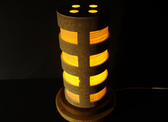 wooden moody table lamp ▸ made from pine and birch veneer