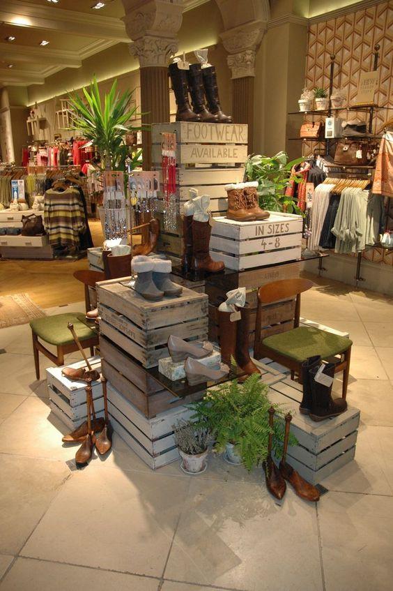 Mobiliario madera Vitrina creativa