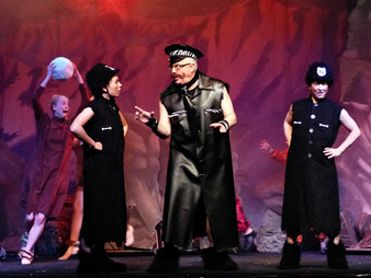 Act 2 Scene 6 - Biff Boff Flint egg.JPG
