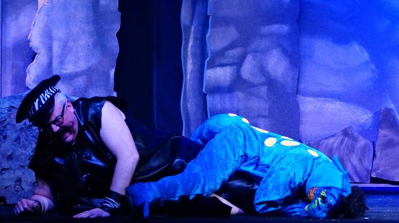Act 2 Scene 8 - Chief and Rex - got him.JPG