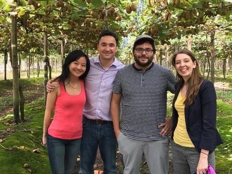 Universidad de Boston visita C. Abud & Cía.