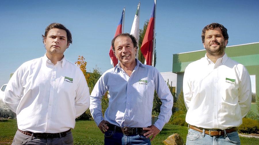 Los-Tres editado.jpg