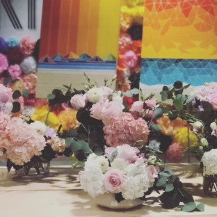 Summer baby shower flowers