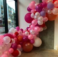 balloon garland_edited.jpg