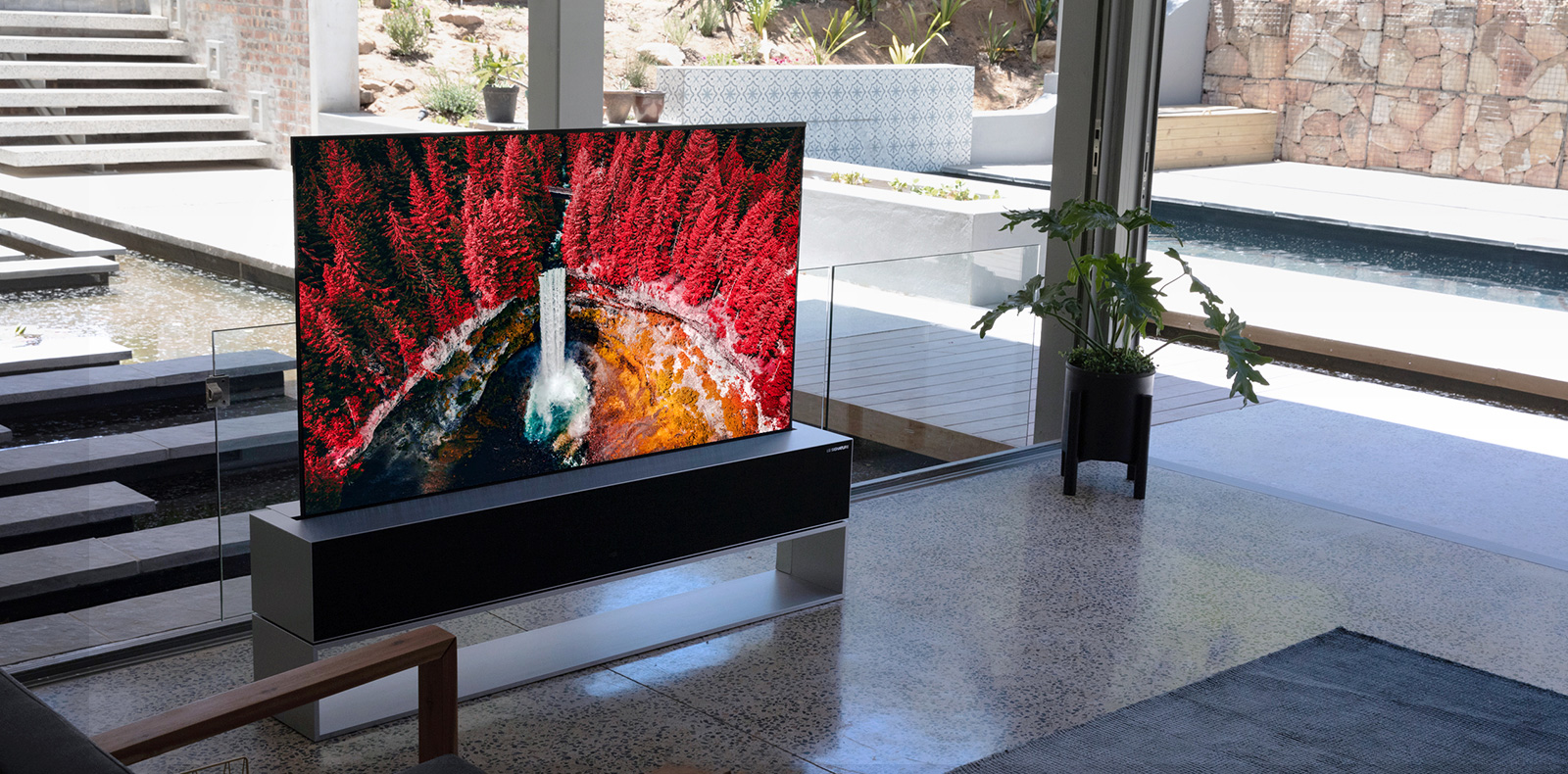 lg-signature-product-oled-tv-rx-rollable
