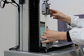 Plastics Testing with Universal Grips