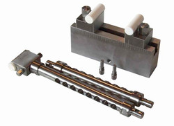 Bend Fixture with Cerarmic Supports for High Temperature Testing