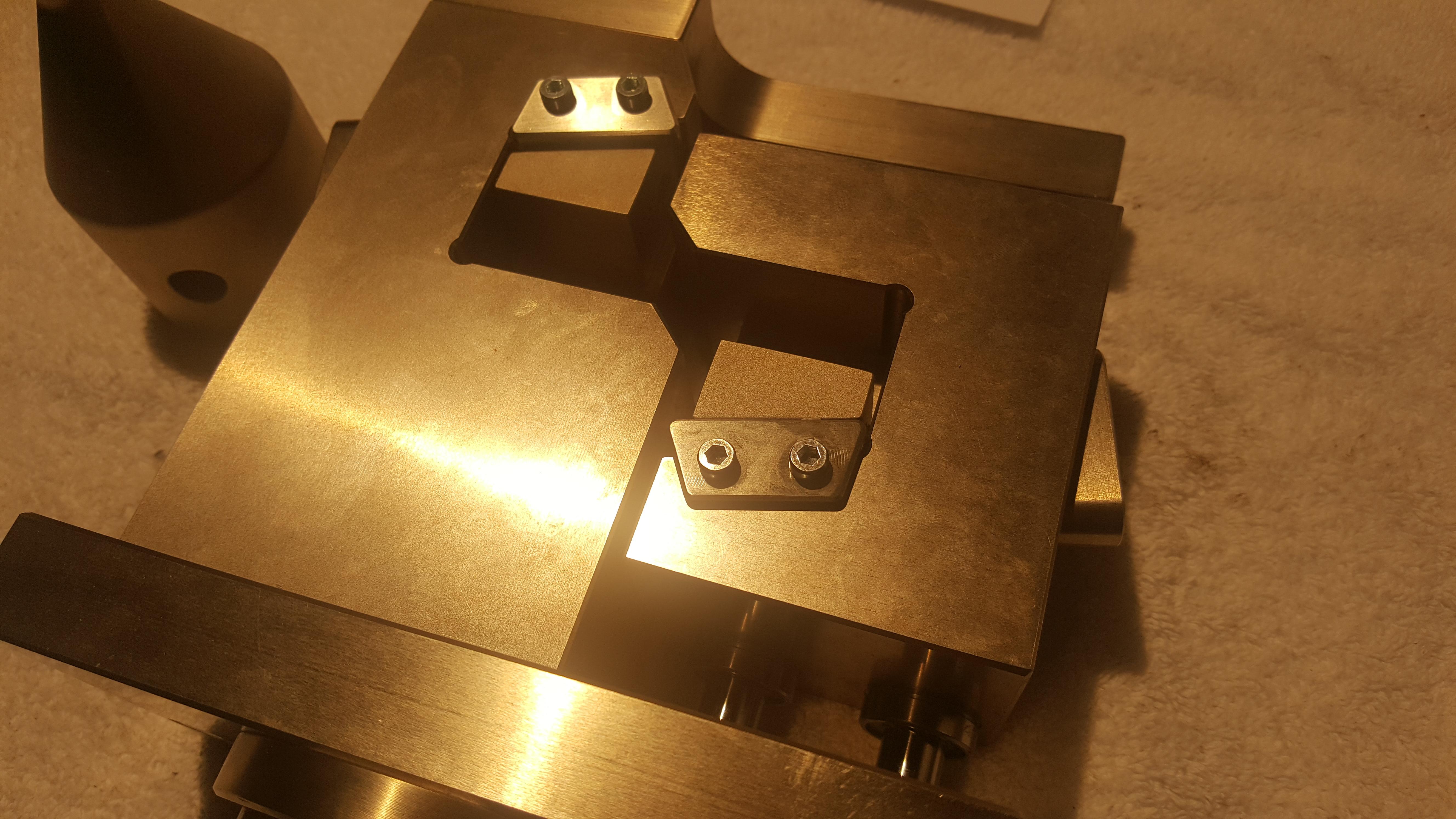 ASTM D5379 Iosipescu Fixture Close Up