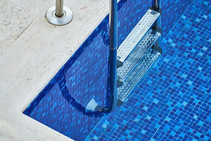 swimming-pool-with-stainless-steel-ladde