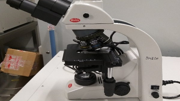 BT22 Microscope