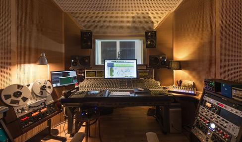 WeyrerTon, Music Studio Innsbruck