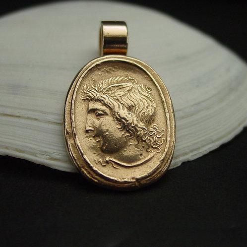Hermes pendant on shell