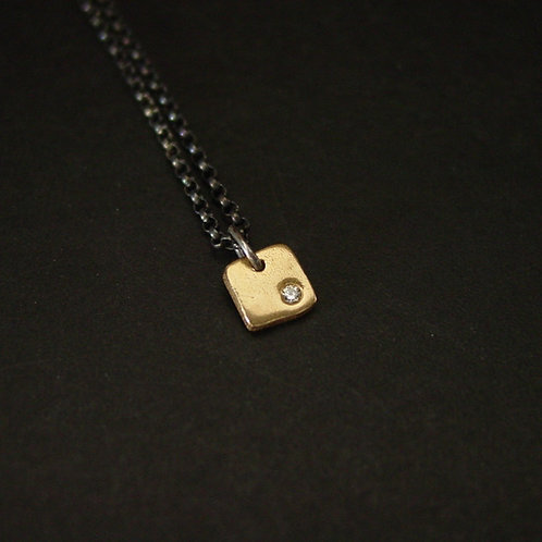 Tiny Square necklace - Black and gold