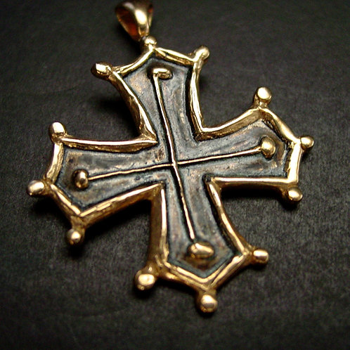 Occitan Cross pendant close up