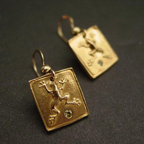 Frog Square earrings with peridot