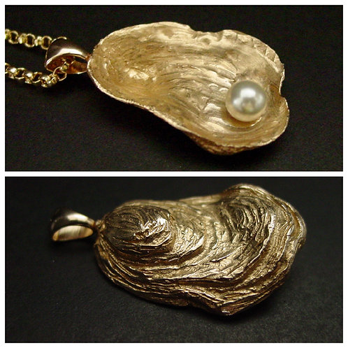 2 sides of the pearl in oyster shell necklace