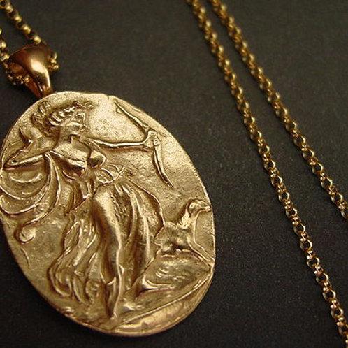 Artemis pendant necklace