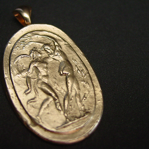 Apollo and Daphne cameo pendant