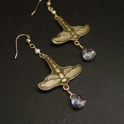 Dragonfly art nouveau with pearl earrings
