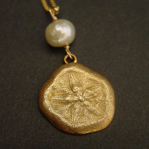 Sand Dollar (with pearl) - Necklace