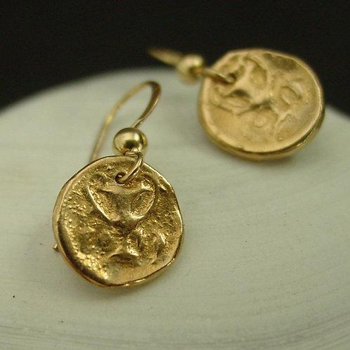 Dionysus cup earrings zoom in