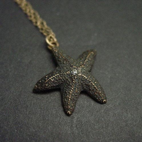 Baby Starfish (dark) - Necklace