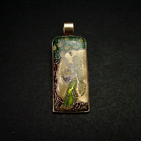 Idun pendant