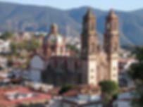 800px-Taxco_Santa_Prisca-1.jpg