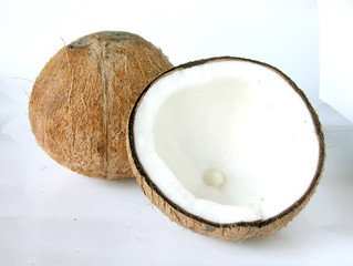 Innovative Ways to Use Coconut Oil to Clean Your Whole House!
