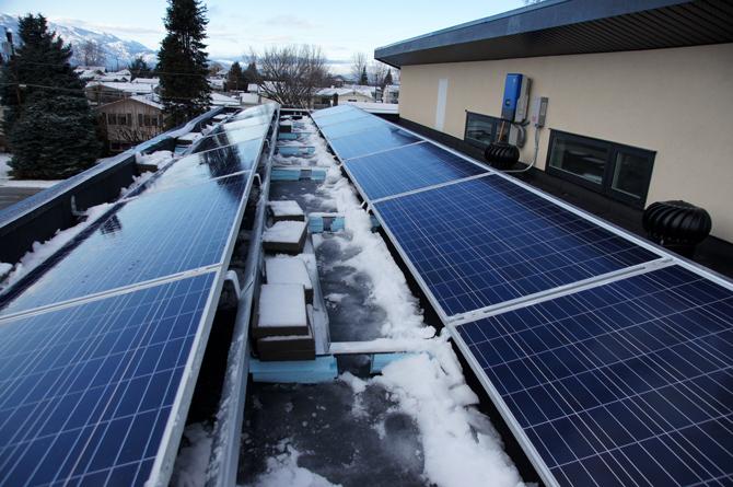 2016-stupka-residence-solar-panel-installed