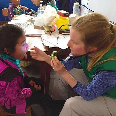 Infirmières de l'humanité | Sara Devost en consultation