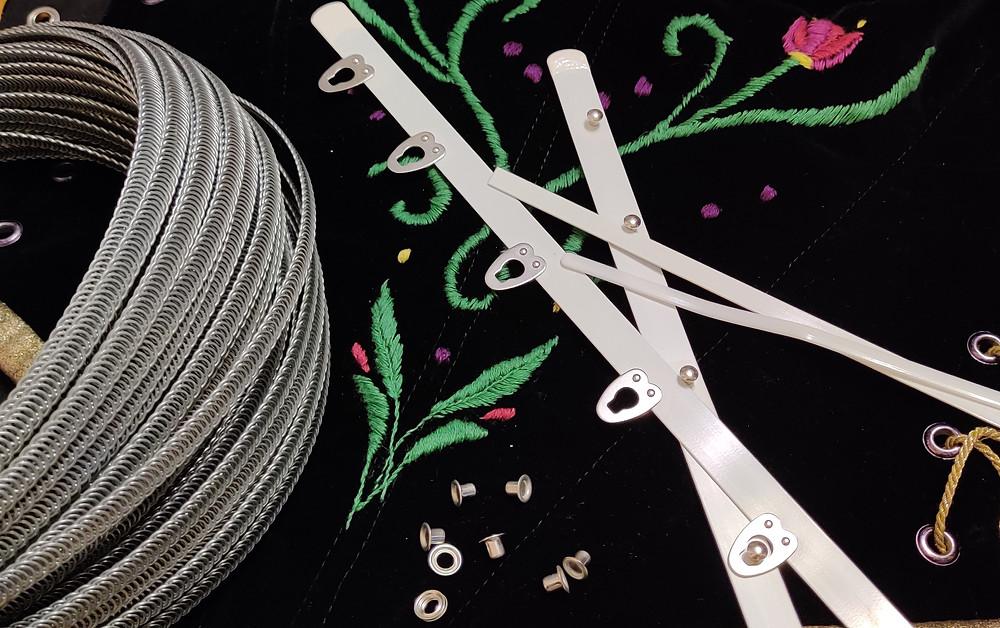 Corsage mit Stahlfedern und Planschetten