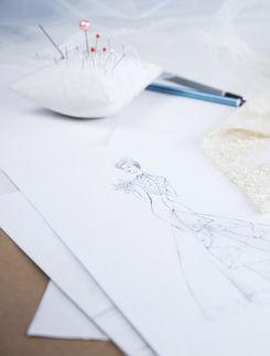 Figurinenzeichnung mit Bleistift