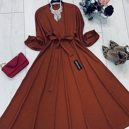 Yarasa kol arkadan tek düğmeli kiloş etek kemerli elbise