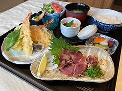C定食~職人自慢の天ぷら盛り地鶏のたたき.jpg