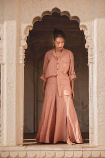 Nala Top & Liv Terra Trousers of Atman's Earthbound Collection