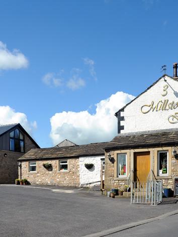 3 Millstones Inn (230516)(DSC_8479).jpg