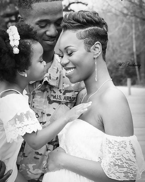 family photographer: happy family