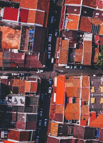 Por encima de los edificios