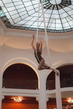 Prestation tissu aérien au Regina Biarritz Hôtel & Spa