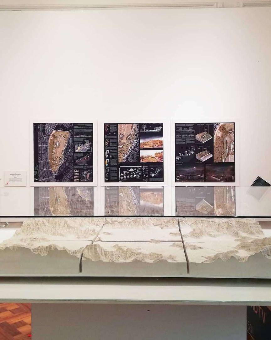 Sala de exposición 52 propuestas - Santa Rosa de Apoquindo