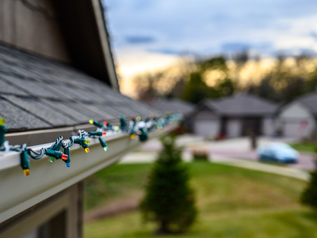Roof-Friendly Christmas Light Tips