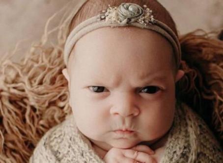 Bebé nace con cara de enojada LOL