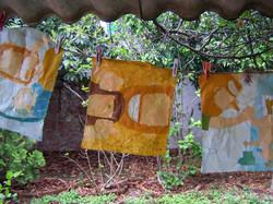 Batiks secándose al aire libre