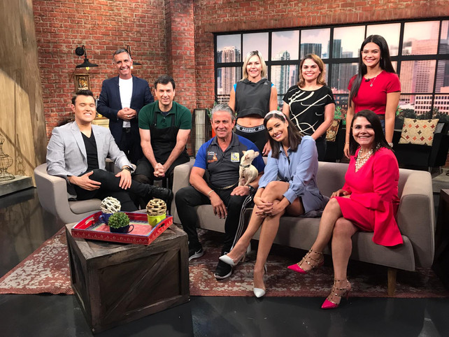 Hoy en el News Café por unimas a las 7:00 AM y a la 1:00 PM por Univisión 23